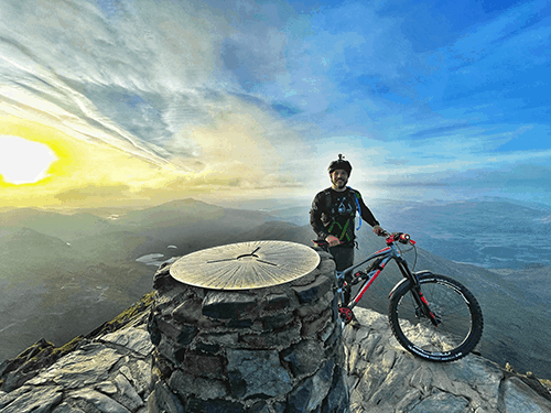 Davids cycle up Mt Snowdon for Charity